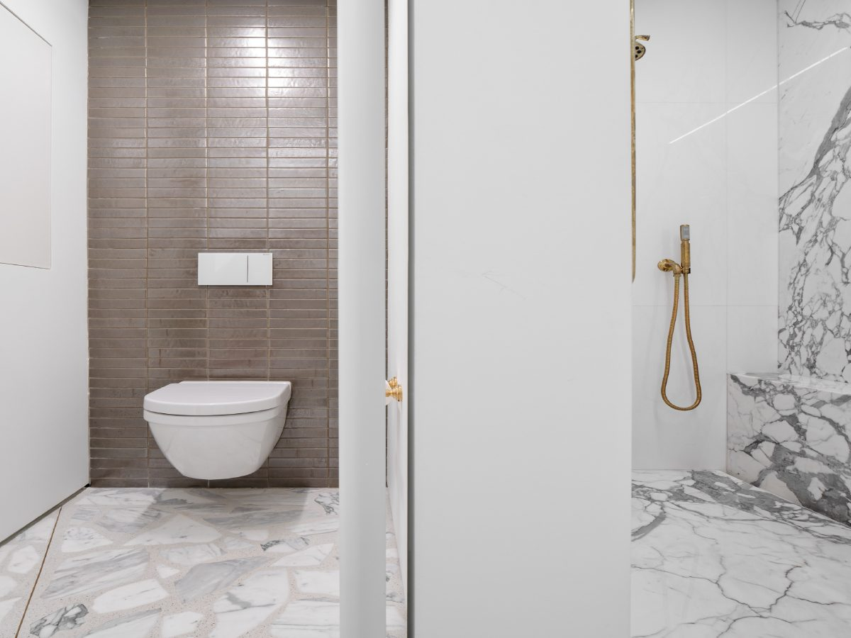 Carillon Miami residence bathroom and marble shower