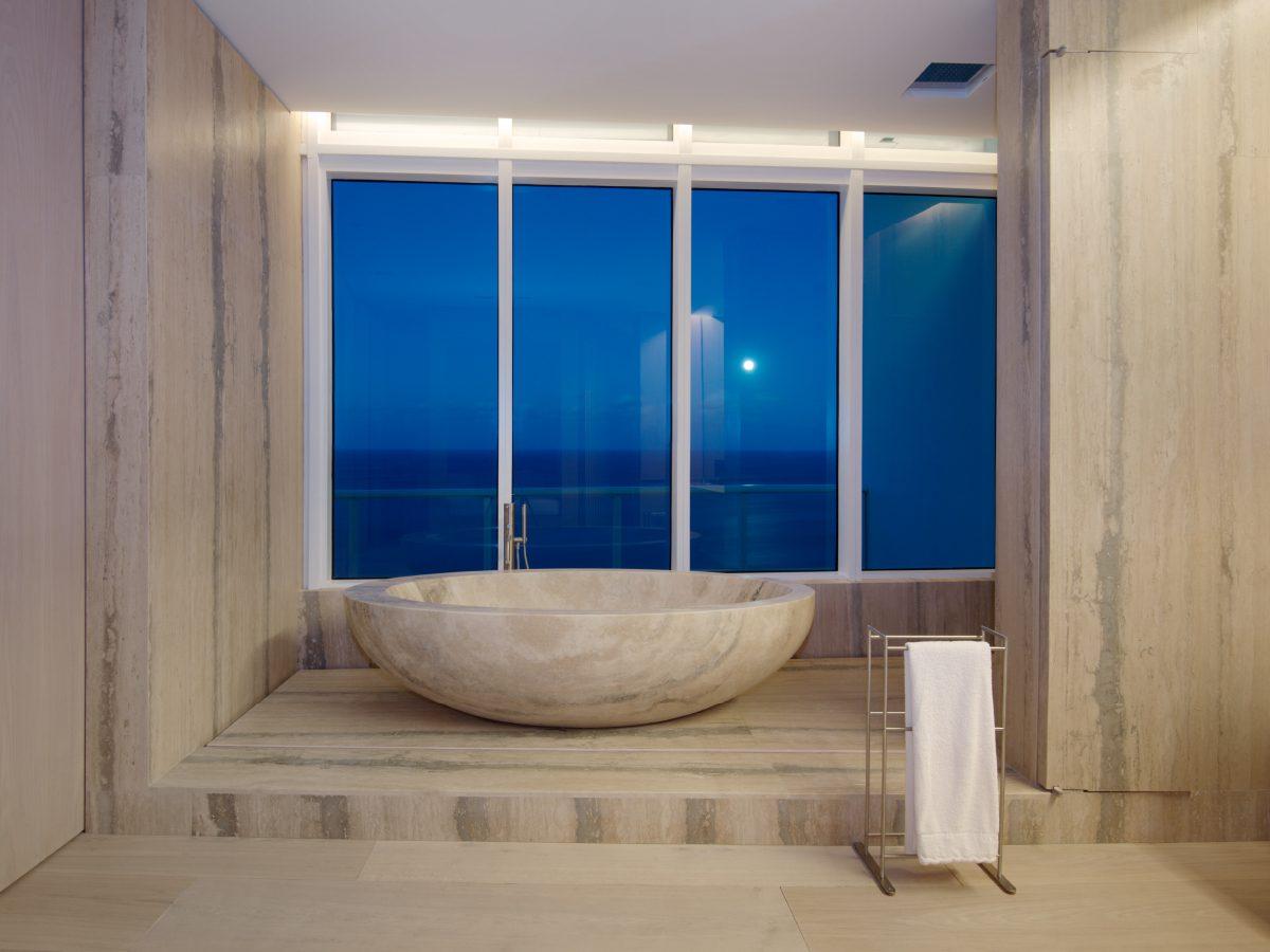 Continuum PH Miami residence marble bathtub