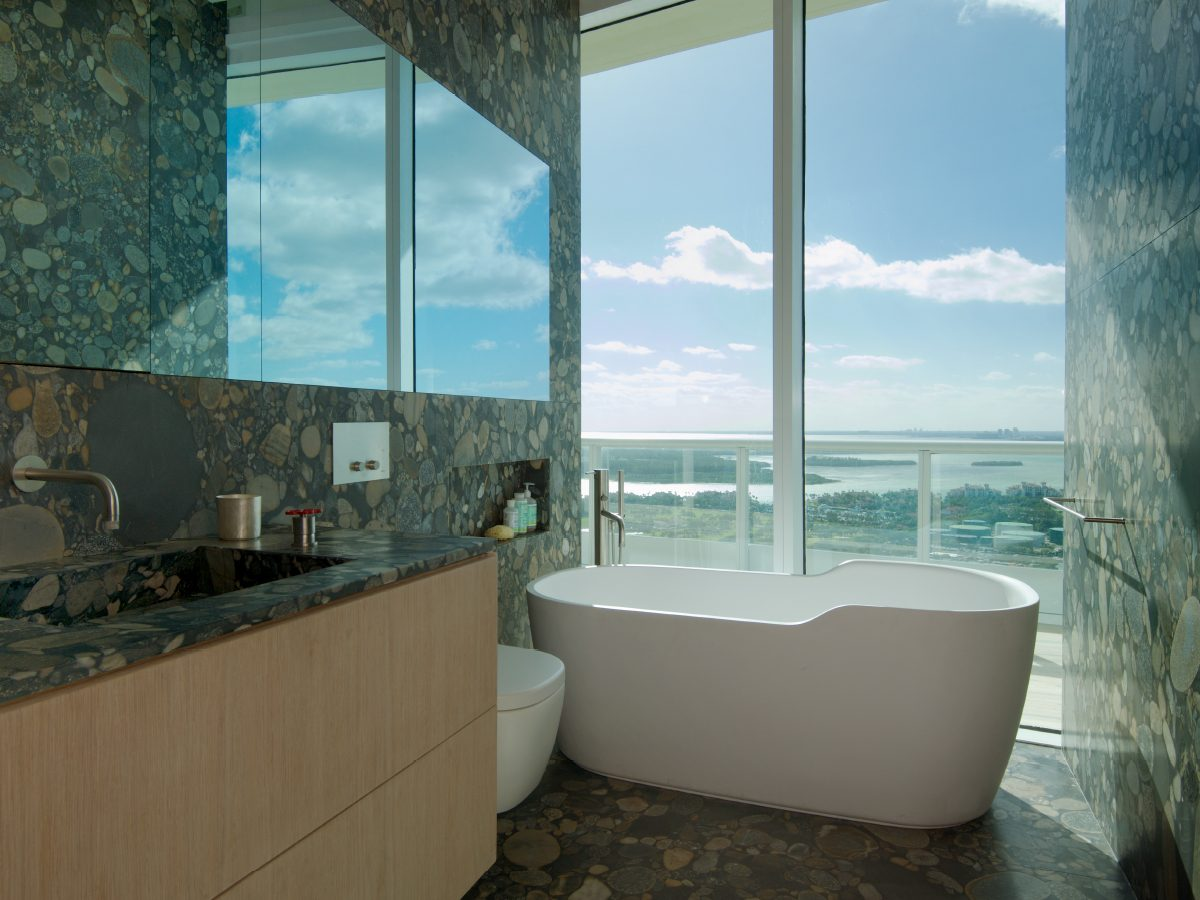 CONTINUUM SOUTH PRIVATE PH RESIDENCE