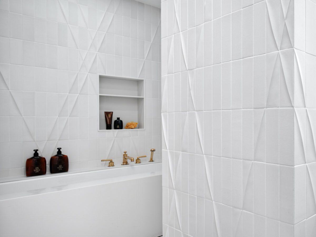 Carillon Miami residence high-end ceramic tile shower