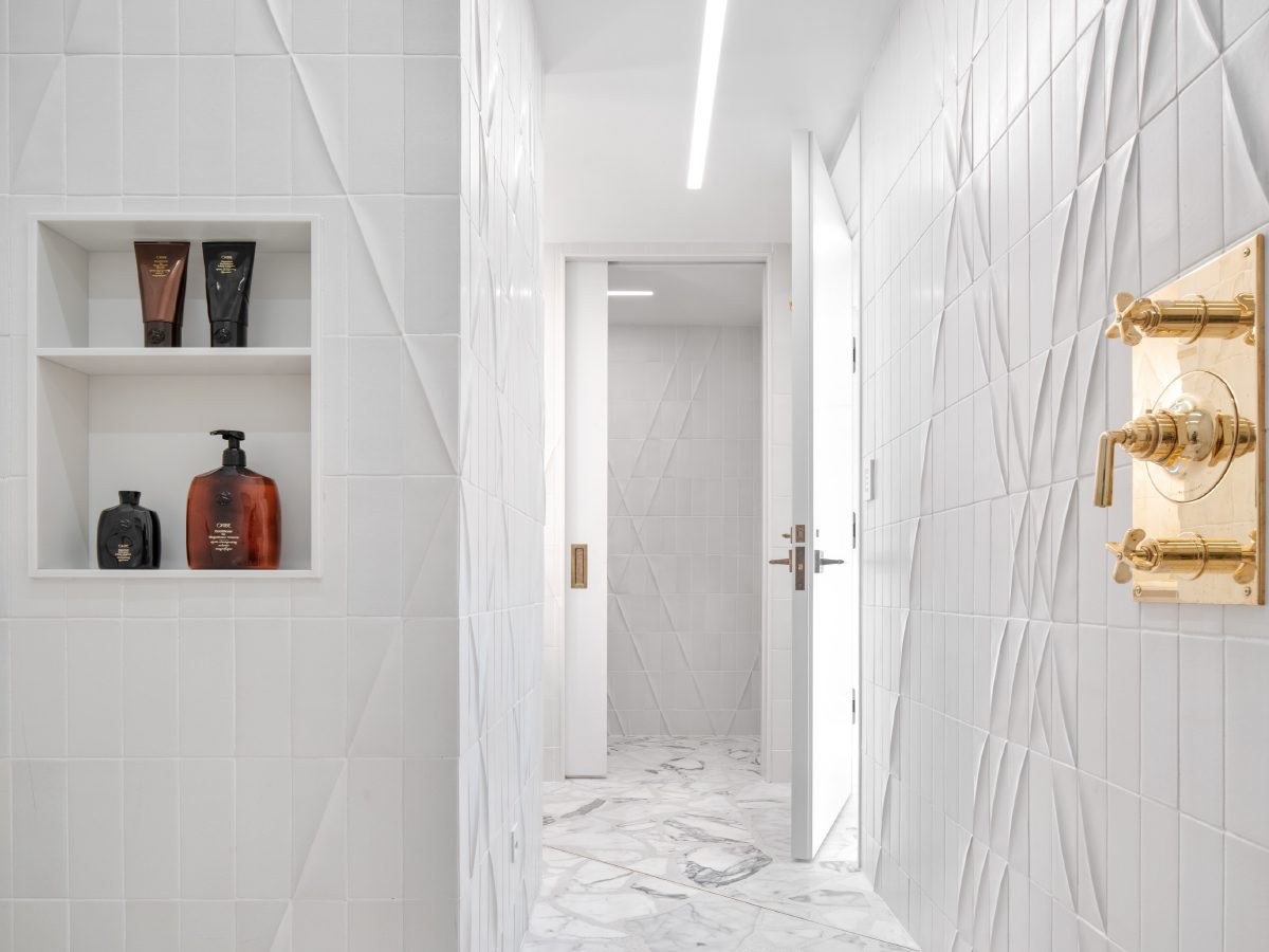 Carillon Miami residence ceramic bathroom view from shower