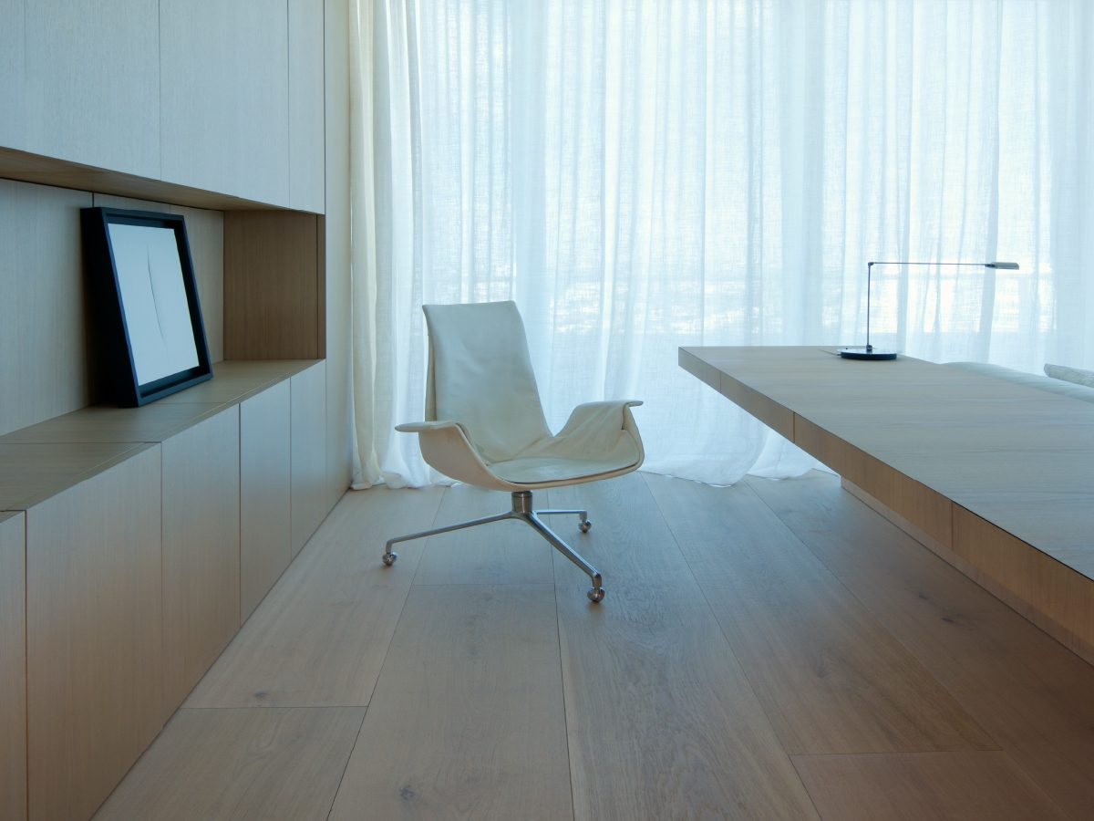 Continuum PH Miami residence bedroom with desk modern chair