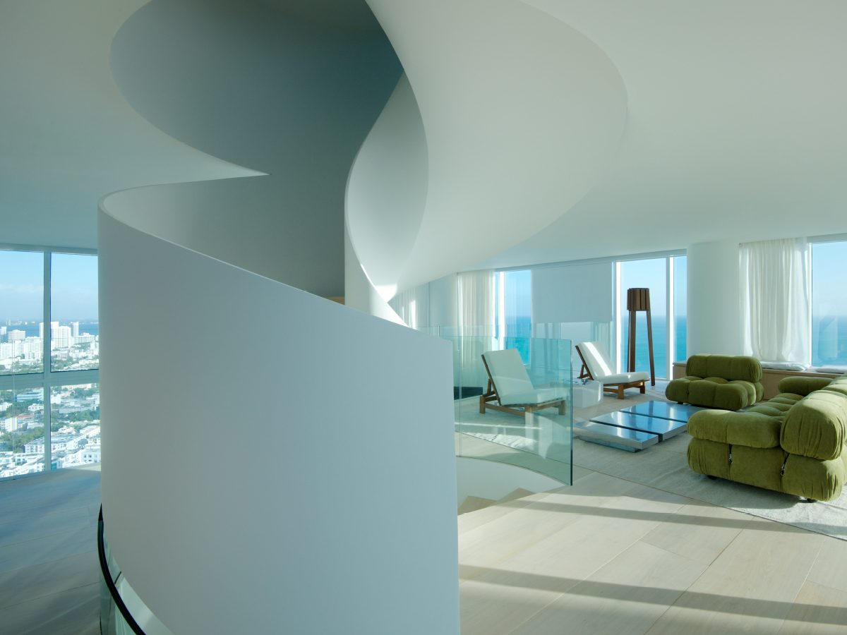 PtrBlt Miami Continuum residence spiral staircase from behind