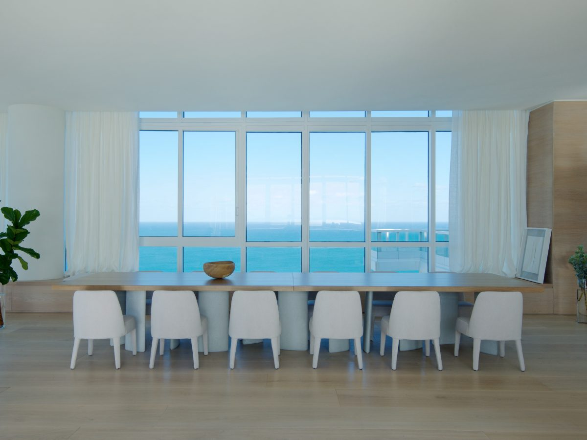 PtrBlt Miami Continuum South kitchen table